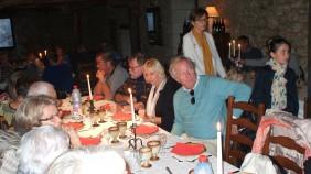 """Die französischen Gastgeber luden zum Dîner in der authentischen, mittelalterlichen Zehntscheune – heute Restaurant """"La Grange à Dîme"""" - mit Spezialitäten nach mittelalterlicher Art."""