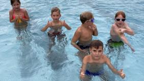 Schwimmbad-9.282x158-crop.jpg